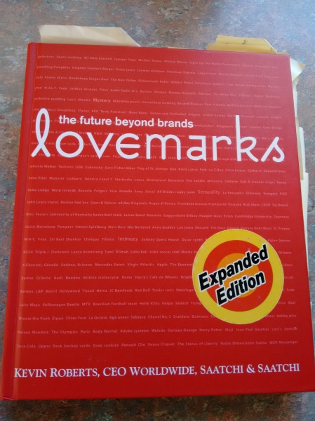Lovemark - the future beyond brands (book cover)